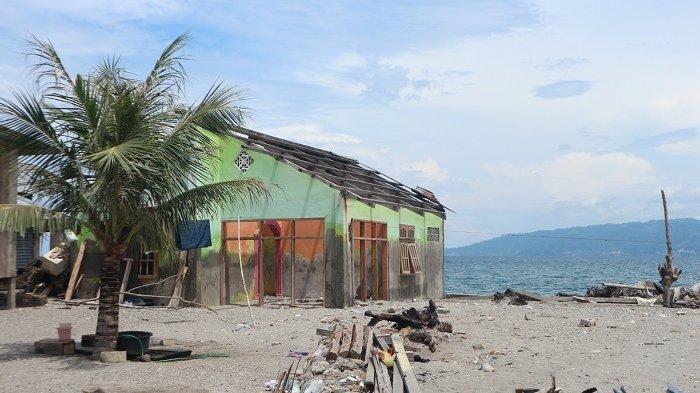 Memilih Relokasi Mandiri, Arkom Palu Bantu Penyintas Desa Tompe Bangun Huntap secara Gotong Royong