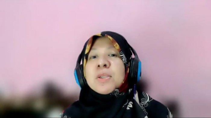 Hadiri Webinar Untad, Dina Sulaeman Imbau Warga Sulteng Hati-hati Sumbang Dana ke Palestina