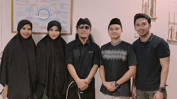 DJ Butterfly Masuk Islam di Ulang Tahunnya ke 32, Kamis 29 Oktober 2020, Syahadat Dipandu Gus Miftah
