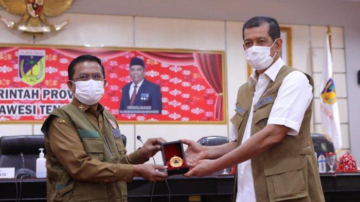 Kepala BNPB RI Letjen TNI Doni Monardo menghadiri rapat koordinasi penanganan bencana nonalam Covid-19 dan percepatan rehab-rekon pascabencana 2018 di ruang Polibu kantor Gubernur Sulteng, Selasa (10/11/2020).