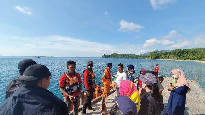 Perahu Wisata Tujuan Pantai Kaluku Bocor, 8 Wisatawan Dievakuasi