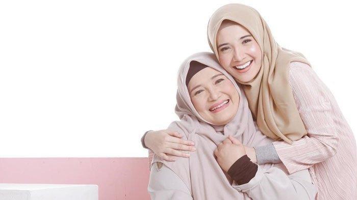 Fenny Bauty Tak Kuasa Menahan Tangis saat Tahu Zaskia Sungkar Hamil: Alhamdulillah Ya Allah