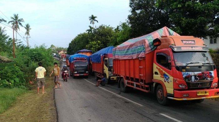 Truk ODOL Tak Bisa Menanjak di Bukit Pangi Tolitoli, Kemacetan Panjang Tak Terhindarkan