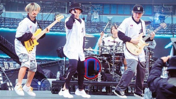 ONE OK ROCK Rilis DVD Blu-Ray Konser Online 'Field of Wonder' 17 November 2021, Intip Keseruannya!