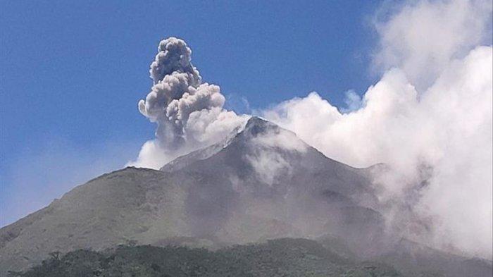 Guguran Lava Pijar Gunung Karangetang Mencapai 1.750 Meter, Warga Belum Ada yang Mengungsi