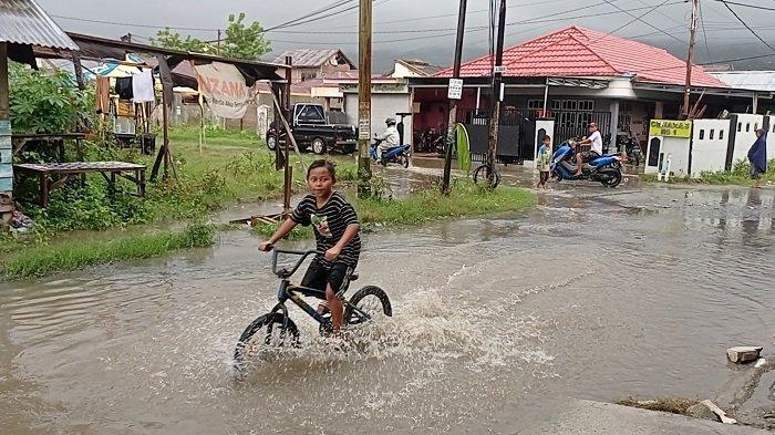 2 Jam Diguyur Hujan, Hati-hati Banyak Genangan Air di Kota Palu