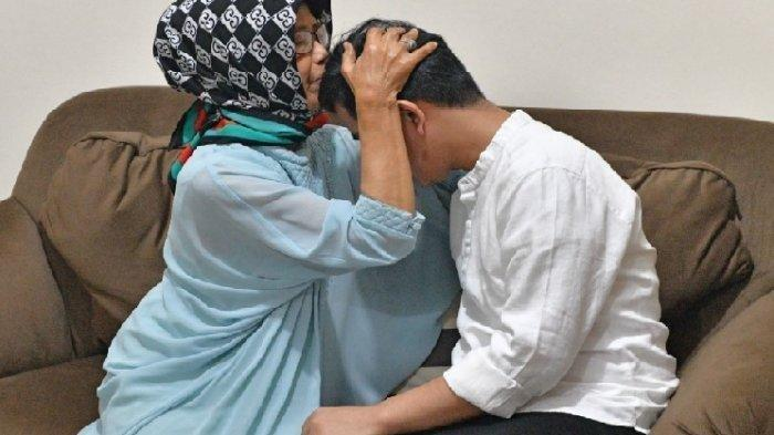Ibunda Meninggal, Presiden Jokowi Langsung Berangkat ke Solo dari Jakarta