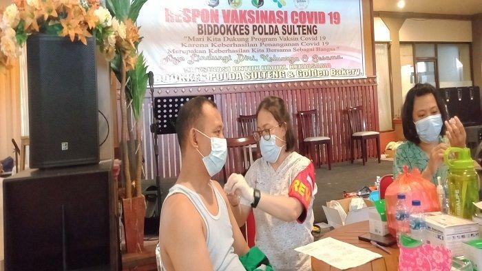 Golden Bakery Gelar Vaksinasi untuk Warga Palu