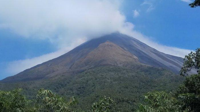 Status Gunung Karangetang masih Siaga, Bau Belerang  Tercium Sampai Pos Pemantau