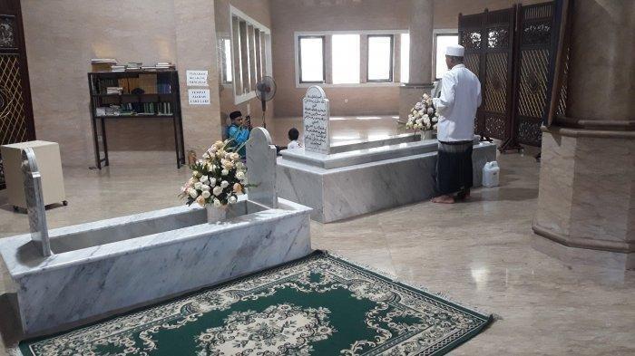 Habib Cikini yang Makamnya Semburkan Air Bertuah saat Akan Digusur, Diyakini Obat dan Masih Mengalir
