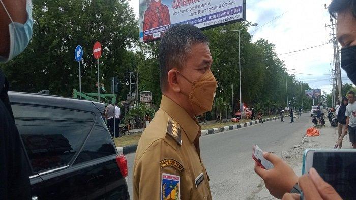 Papan Reklame Jl Moh Yamin Palu Nyaris Roboh, Ini Perintah Wali Kota Palu Saat Meninjau Langsung