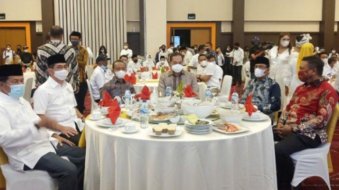 Menteri Investasi dan Menteri Pedagangan Hadiri Halal Bi Halal Keluarga Besar Kadin di Palu Sulteng