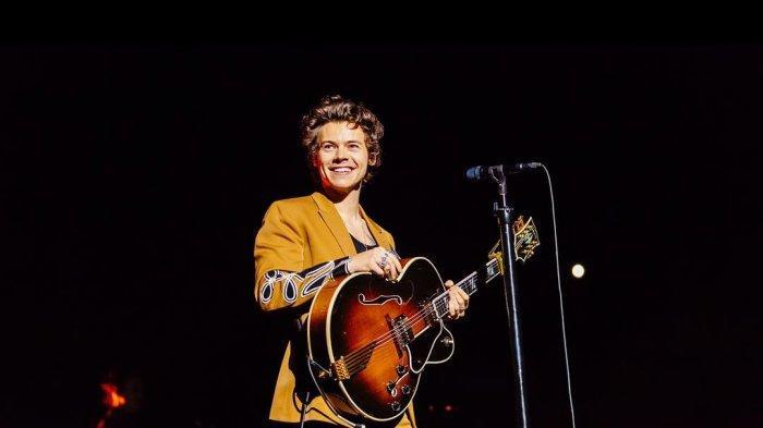 Lirik Lagu 'Lights Up' Harry Styles Lengkap Beserta Link Download di Spotify