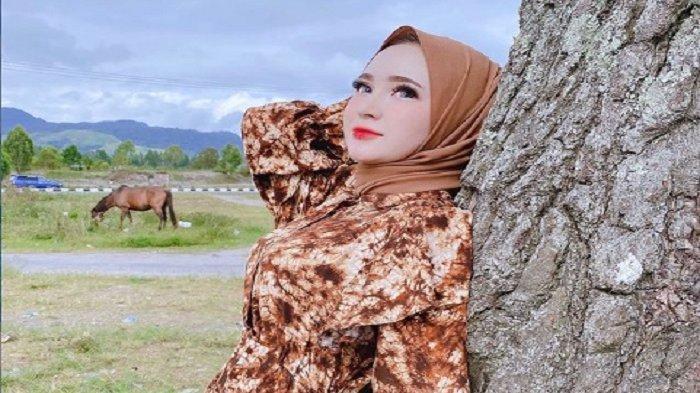 Intip Cantiknya Herlin Kenza, Wanita Aceh dengan 9 Pria Kekar yang Selalu Menjaganya
