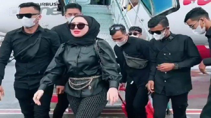 Siapa itu Herlin Kenza? Selebgram yang Dijuluki Barbie Hijab, Diduga Picu Kerumunan di Aceh