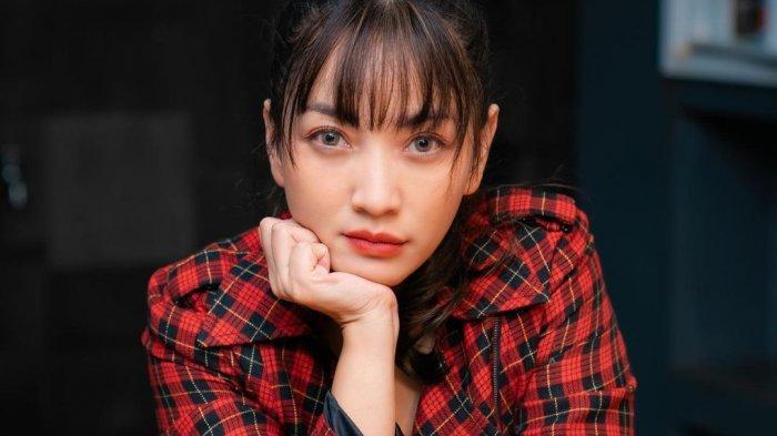 Doa Ibu Selamatkan Karier Hesti Purwadinata, dari ATM Kosong hingga Jadi Host Tonight Show