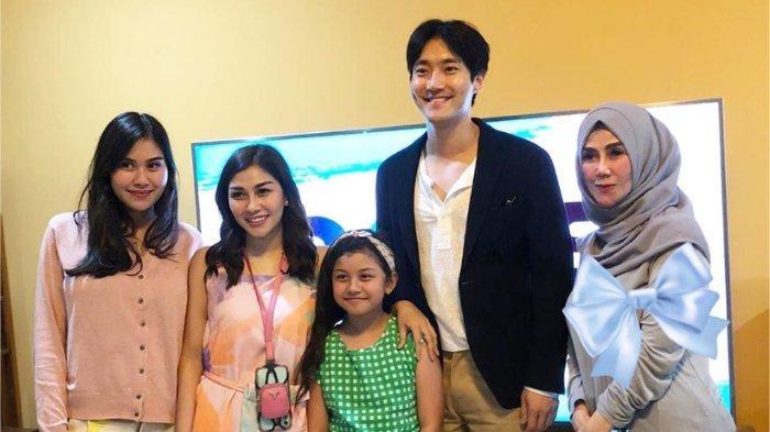 Datangi Rumah Raffi Ahmad dan Nagita, Choi Siwon Beri Oleh-oleh Makanan Kerajaan
