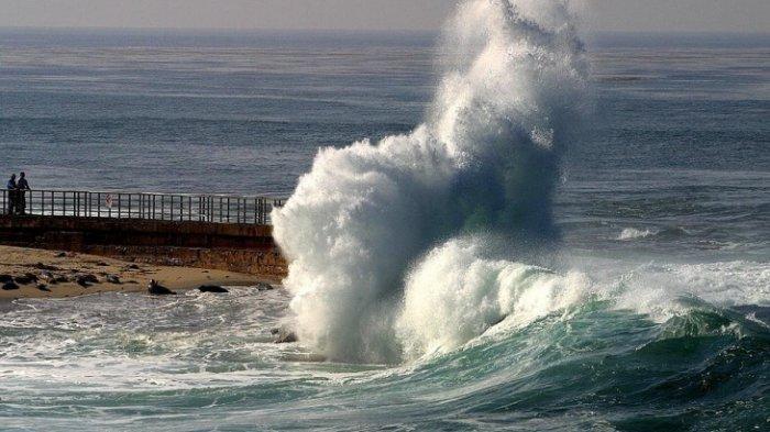 Info BMKG: Waspada Gelombang Tinggi Capai 4 M pada Sabtu (25/1/2020) di 3 Perairan Ini