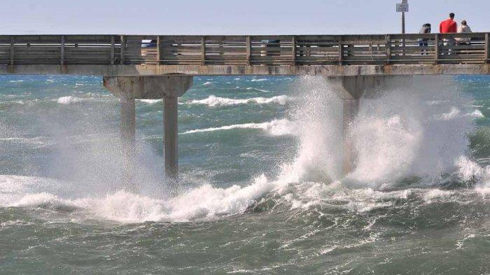 Peringatan Dini Cuaca Ekstrem BMKG, Senin 10 Mei 2021: Waspada Gelombang Tinggi Capai 6 Meter
