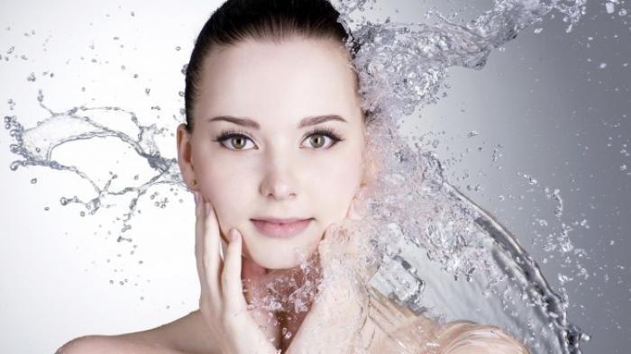 4 Alasan Mengapa Harus Selalu Cuci Muka dan Hapus Make Up Sebelum Tidur