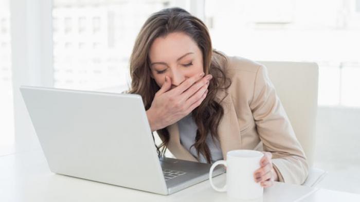 Kenali 5 Tanda Bahwa Anda Kurang Tidur : Kelelahan Hingga Sering Haus