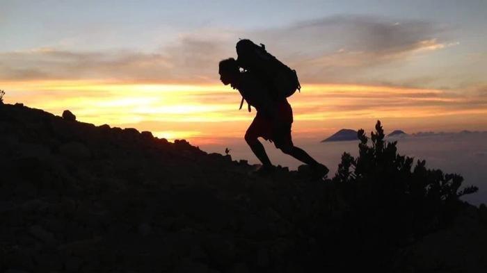 Kronologi Tewasnya Pendaki di Gunung Lawu, Antar Teman Buang Air Kecil, Lalu Menghilang