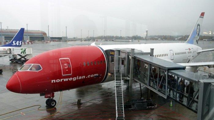 Pesawat Norwegian Airlines Alami Indikasi Kerusakan Teknis, Serpihan Logam Berjatuhan dari Langit