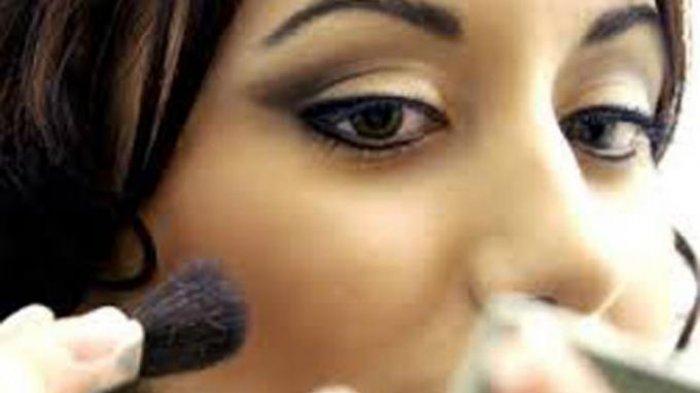 7 Cara Makeup untuk Jadikan Pipi Tembem Terlihat Tirus