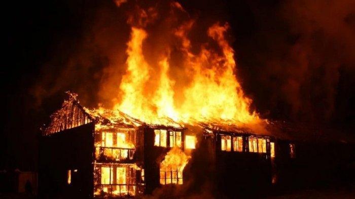 Ilustrasi Rumah Kebakaran