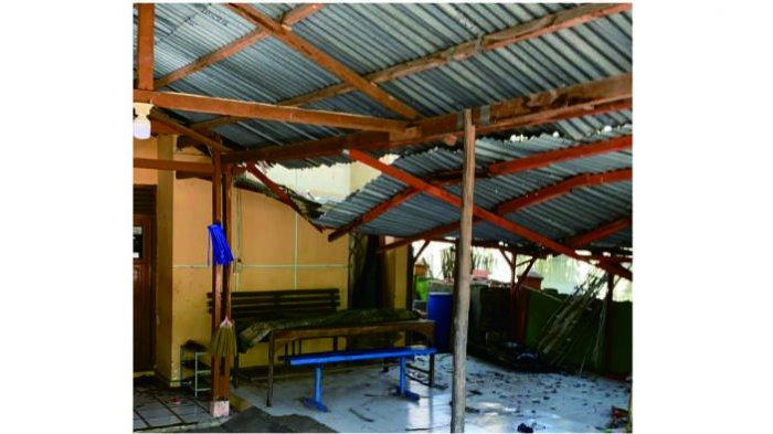 Kerusakan rumah warga akibat kebakaran kilang minyak Balongan, Indramayu