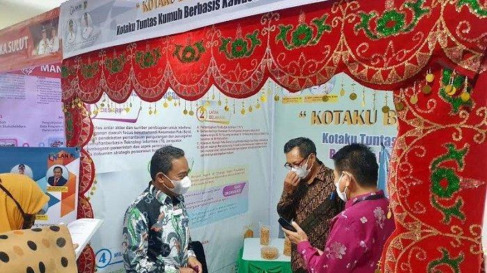Pemerintah Kota Palu, Sulawesi Tengah, menampilkan tiga proyek perubahan dalam pameran inovasi peserta Pelatihan Kepemimpinan Nasional tingkat II angkatan IX. Kegiatan tersebut digelar di Pusat Pelatihan dan Pengembangan Kajian Manajemen Pemerintah LAN RI Makassar, Sulawesi Selatan, Rabu (15/9/2021) siang.