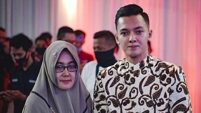 Unggah Foto Istri Pertama Didi Kempot, Dory: di Balik Kesuksesan Pria Ada Wania Hebat di Belakangnya
