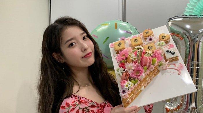 Penyanyi asal Korea Selatan, IU alias Lee Ji Eun.