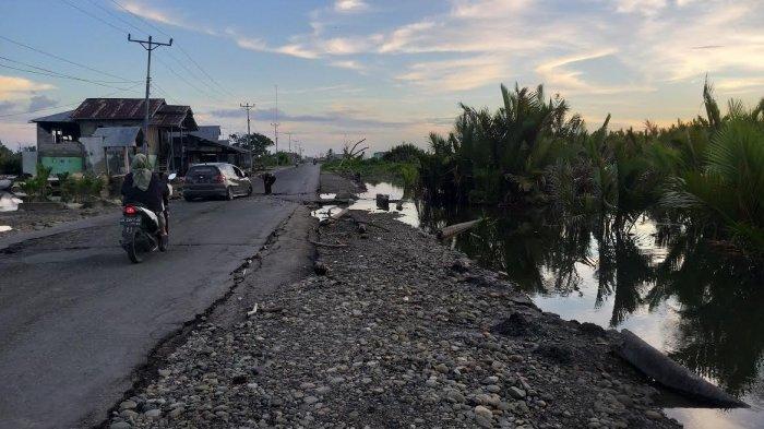 Jalan Trans Sulawesi di Sirenja Donggala Tak Kunjung Diperbaiki Pemerintah