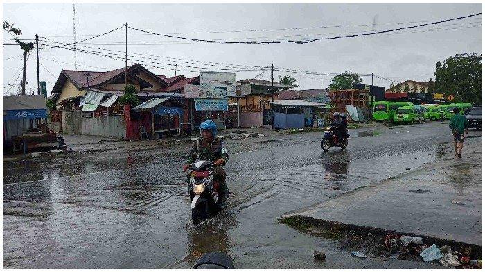 Peringatan Dini Cuaca Minggu 25 Juli 2021: Sulawesi Tengah Waspada Hujan Petir dan Angin Kencang