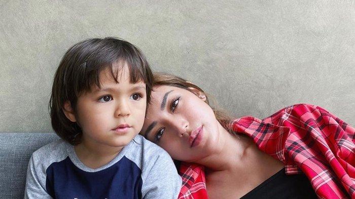 Ceritakan Soal Ayah Kandung El Barack, Jessica Iskandar Kaget saat Lihat Respon Putranya