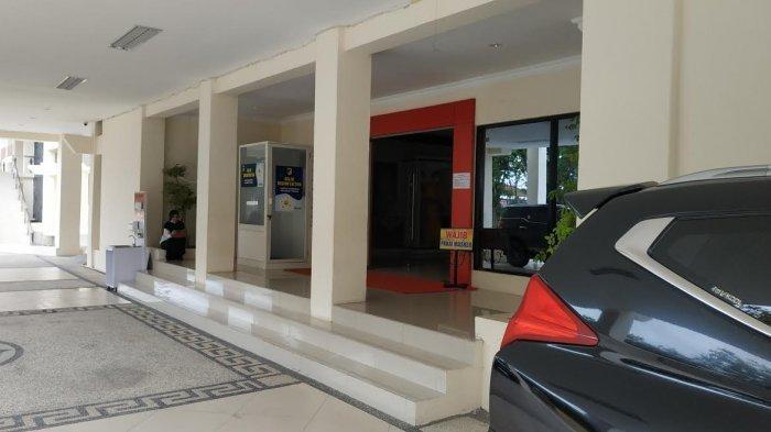 Kantor Gubernur di Jl Sam Ratulangi, Kelurahan Besusu Barat, Kecamatan Palu Timur, Kota Palu