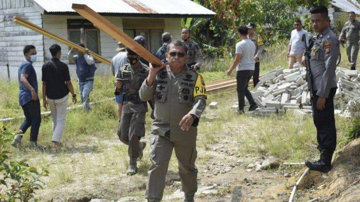 Pasca-teror MIT di Sigi, Polda Sulteng Bangun Kembali Rumah Warga Lemban Tongoa