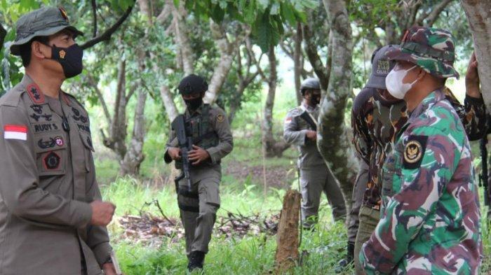 Jenderal Rudy Sambangi Pos Pemburu Teroris Poso di Desa Pantangolemba