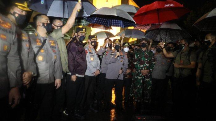 FOTO: Panglima TNI dan Kapolri Tinjau Lokasi Ledakan Bom Bunuh Diri di Makassar - kapolri-jenderal-polisi-listyo-sigit-prabowo-dan-panglima-tni-marsekal-tni-hadi-tjahjanto.jpg
