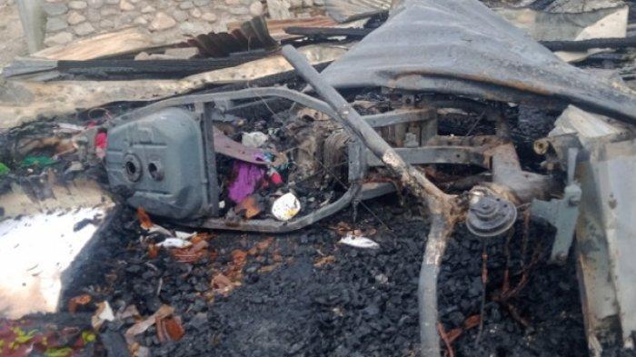 5 Petak Kos Rata Dilalap Si Jago Merah di Jl Dayodara Kota Palu, 1 Motor Ikut Terbakar - kebakaran-di-dayodara-2.jpg