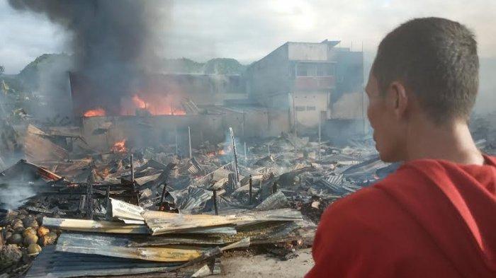 Lapak di Pasar Simpong Banggai Ludes Terbakar, 300 Pedagang Merugi