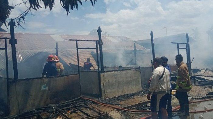 9 Petak Kos di Jl Sungai Manonda Palu Habis Terbakar