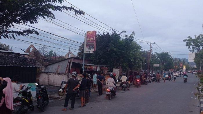 Jalan Juanda Palu Macet, Kebakaran 2 Rumah Jadi Tontonan Warga