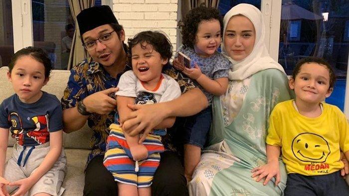 keluarga-pasha-ungu.jpg