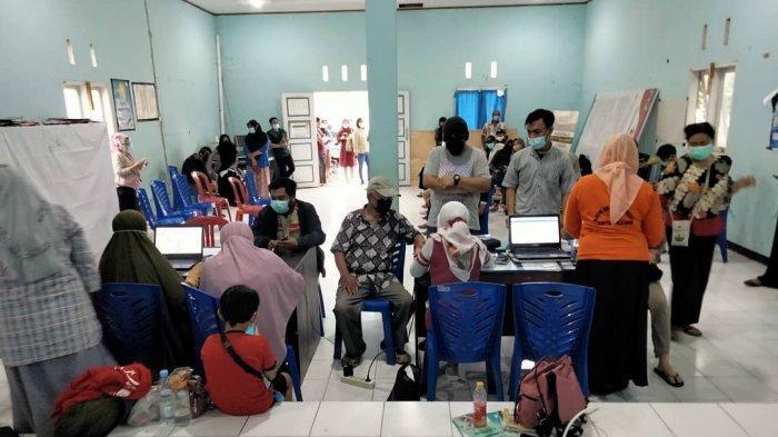 Warga Kelurahan Duyu Palu Habiskan Dosis Vaksin