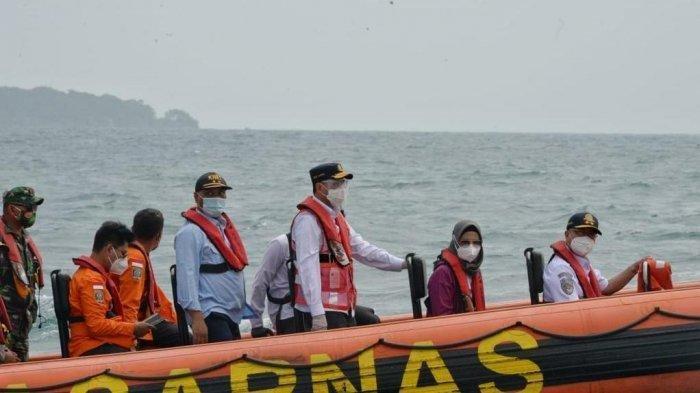 Kunjungi Pulau Lancang, Menhub Beri Semangat Tim SAR yang Tengah Lakukan Pencarian Sriiwjaya Air