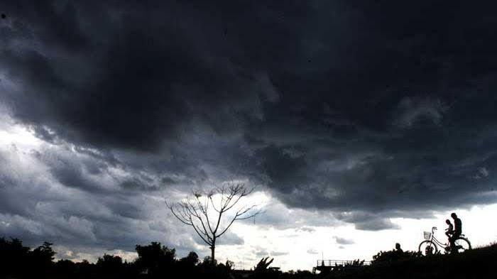 Peringatan Dini Cuaca Rabu 21 Juli 2021, BMKG: 11 Provinsi Berpotensi Dilanda Hujan Petir dan Angin