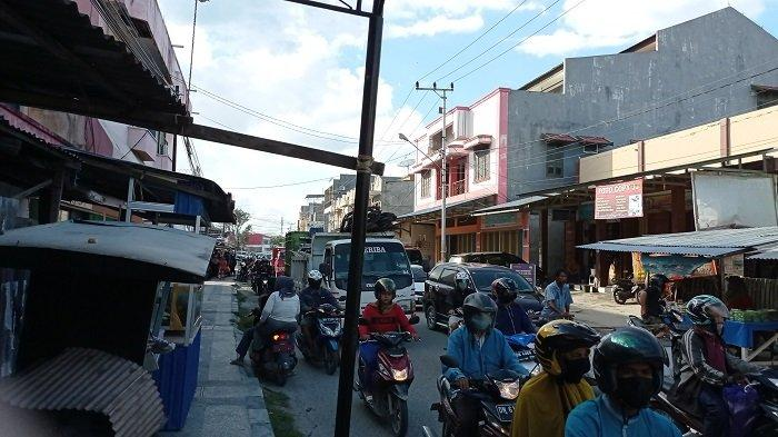 Ramai Pedagang Takjil, Kawasan Pasar Tua Kerap Macet Jelang Buka Puasa
