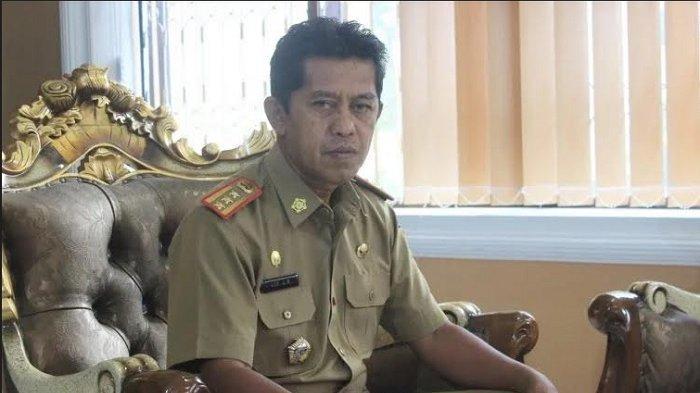 Kepala Badan Kepegawaian Daerah Sulawesi Tengah Asri